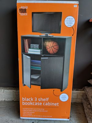 3 shelf cabinet for Sale in Lewis Center, OH