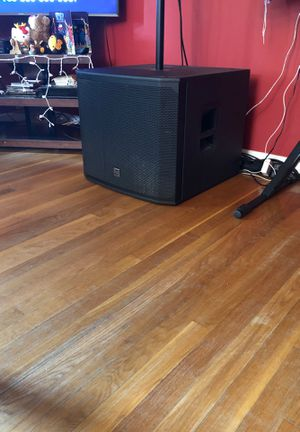 Subwoofer ev 18 1500 watts powered para dj for Sale in Aspen Hill, MD