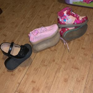Girls (toddler) Size 9 Shoes for Sale in Whittier, CA
