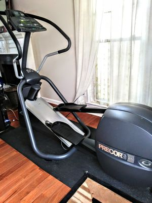 Precor Elliptical EFX 5.23 never in a gym for Sale in Marietta, GA