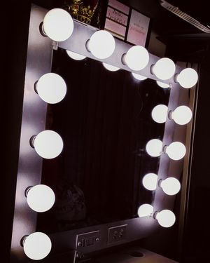 Makeup vanity mirror (silver glitter finish) for Sale in Richardson, TX