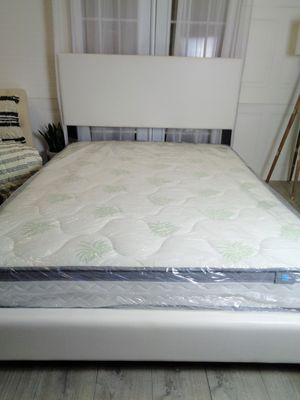 White Queen bed frame plush headboard for Sale in Baltimore, MD