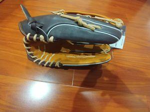 Easton professional series 12.75 rht softball/ baseball glove for Sale in San Diego, CA