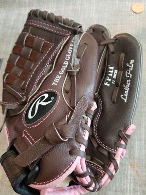 """11"""" Rawlings baseball glove for Sale in Norwalk, CA"""