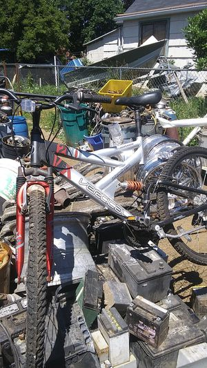 Vertical dual suspension aluminum mountain bike for Sale in Dayton, OR