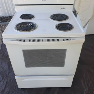 whirlpool electric stove (Free Delivery If Needed) for Sale in Frostproof, FL