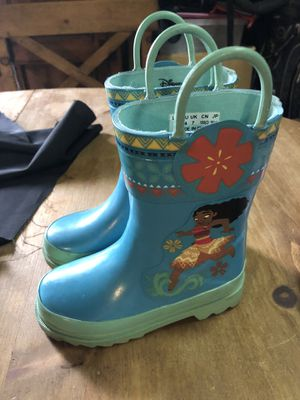 Disney Moana rain boots size 8 only worn 2x for Sale in Covina, CA