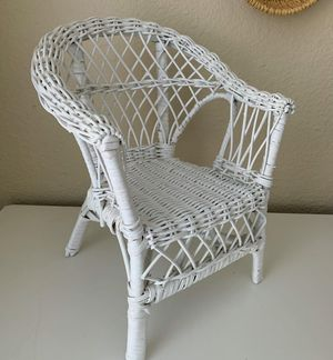 Rattan plant stand for Sale in Mill Creek, WA