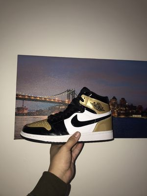 JORDAN 1 NRG GOLD TOES SZ10 for Sale in Silver Spring, MD
