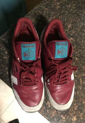 Reebok classics burgundy Men's 10.5 shoe for Sale in Tampa, FL