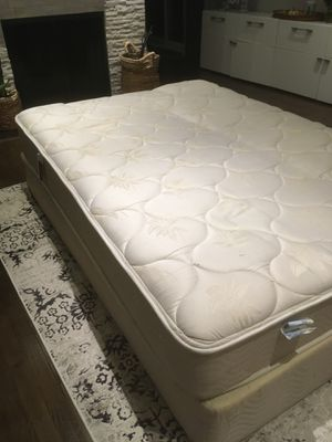 Mattress with spring box for Sale in Mount Prospect, IL