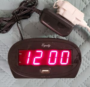 "30024 Equity by La Crosse AC Powered 0.9"" Red LED Display Alarm Clock USB Port for Sale in San Diego, CA"