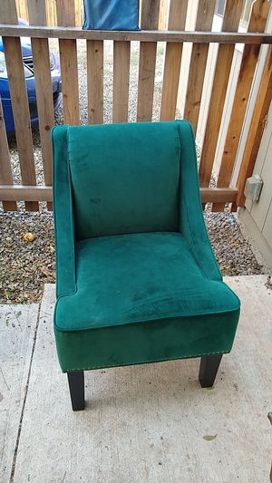 Green velvet chair for Sale in Folsom, CA