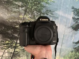 Canon 5D Mark III Excellent for Sale in Los Angeles, CA