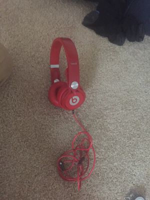 Beats mixer red gently used with hard case for Sale in Fairfax, VA
