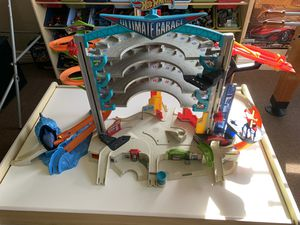 The original hot wheels ultimate garage for Sale in Southwest Ranches, FL