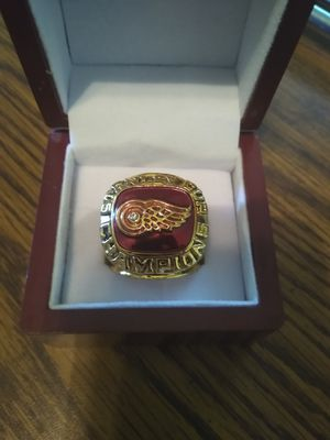 Detroit Red Wings Championship Ring with Display Case for Sale in BRECKNRDG HLS, MO