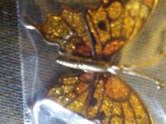 "Butterfly Broach Orrigional Vintage Tag On It Reads "" Made In taiwan Republic Of. China"" for Sale in Seale,  AL"