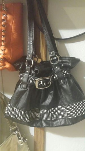 A variety of purses. $15 takes all!! for Sale in Waterloo, IA
