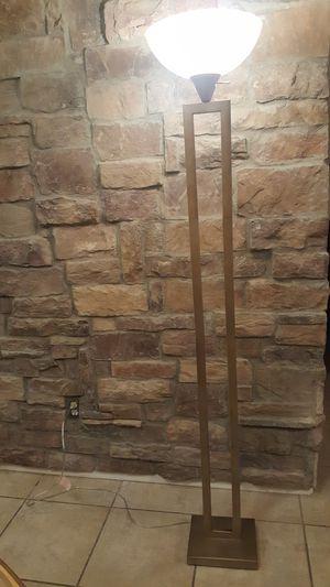Floor lamp 3 way for Sale in Chandler, AZ