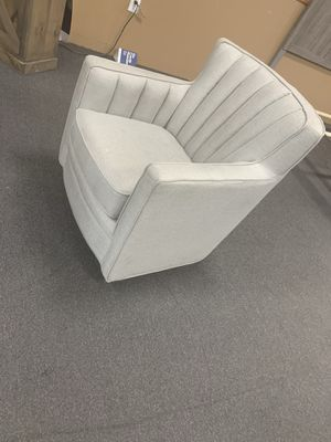 Swivel chair in gray color on sale 🎈🎈🎈$250 only today ready for pick up 5301 n Blackstone ave Fresno ca 93710 for Sale in Fresno, CA