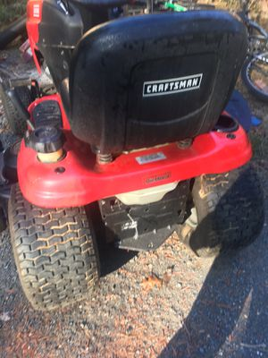 Craftsman tractor 48 has 229 hours on it the only problem it's has transmission for Sale in Gaithersburg, MD