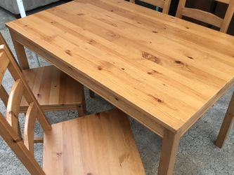 "Dining Table With 4 Chairs Solid Wood In Excellent Condition Like New Open Box 📦 46.5"" W x 29"" D X 29"" H for Sale in Spring Valley,  CA"