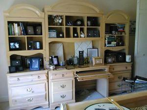 Desk w/ Bookshelves Maple Wood for Sale in Tampa, FL
