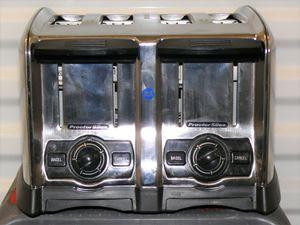 Proctor Silex 4 slot toaster for Sale in Laveen Village, AZ