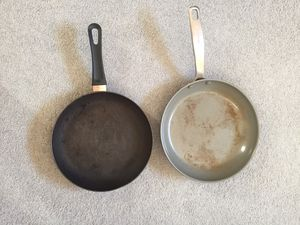 Two frying pans (one is a green pan) for Sale in Fairfax, VA