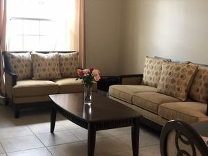 Living Room Furniture (Rooms 2 Go Like NEW) FREE Coffee Table! for Sale in Ocoee, FL