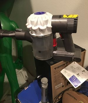 Dyson V6 Vaccum for Sale in Rancho Cucamonga, CA