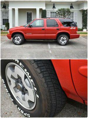 Chevy Blazer 2004 4x4 Vortec 4300 for Sale in Boston, MA