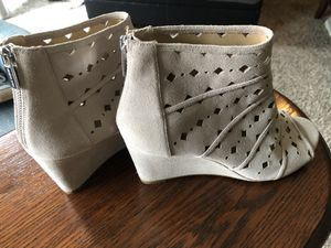 Michael Kors Open Toed Wedges Size 10M for Sale in Marysville, WA