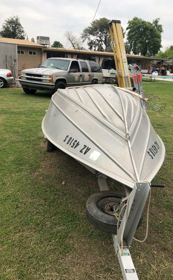 "12' 4"" shorelander Aluminum boat. With trailer"
