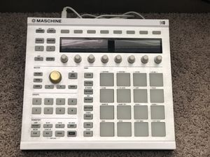 Native Instruments Maschine MK2 Groove Production Studio, White for Sale in San Diego, CA
