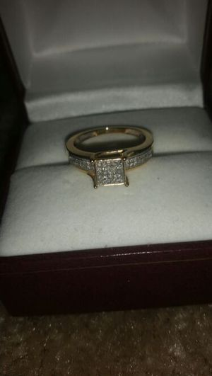 10kt Diamond Ring Macys for Sale in Odenton, MD