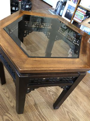 Tables 2 end and coffee table s excellent condition for Sale in Toms River, NJ