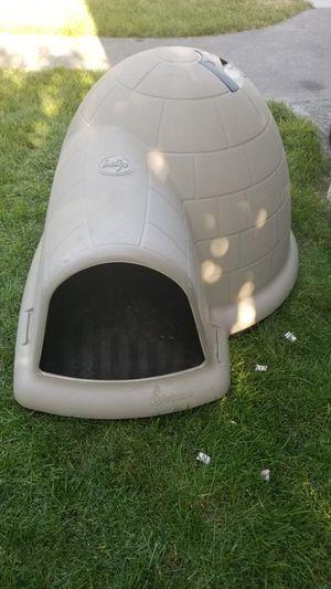 petmate indigo dog house for Sale in Pasco, WA