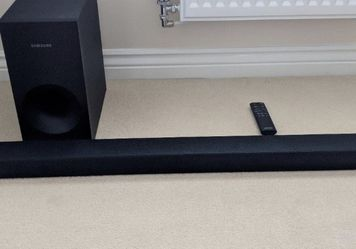 Samsung Sound Bar and Subwoofer for Sale in Sandy,  OR