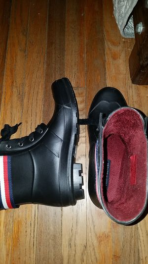 Tommy hillfiger rain boots size 8 for Sale in Santa Fe Springs, CA