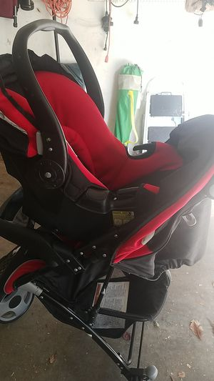 Eddie Bauer car seat stroller combo for Sale in Smoke Rise, GA
