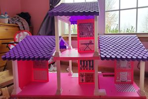 Doll house for Sale in Saint Robert, MO