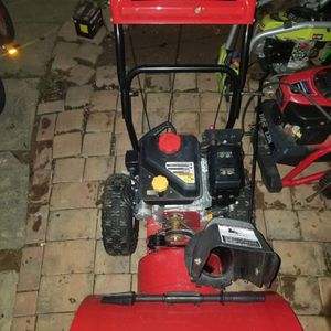 MTD 26 inch Snowblower for Sale in Frederick, MD