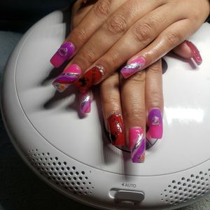 Acrylic Nail Sets for Sale in San Diego, CA