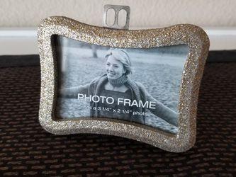 Brand New Gold Glitter Photo Frame for Sale in Cedar Park,  TX