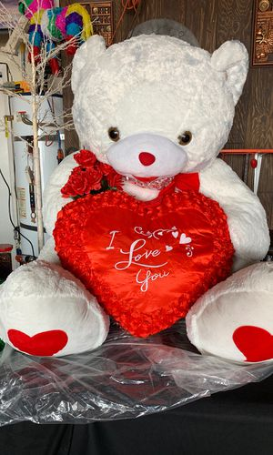 6ft plush teddy bear for Sale in Las Vegas, NV