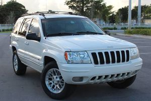 Perfectly 2004 Jeep Grand Cherokee AWDWheels for Sale in Jacksonville, FL