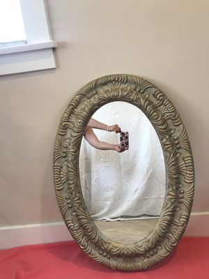 Oval mirror very good condition $45 for Sale in Long Beach, CA