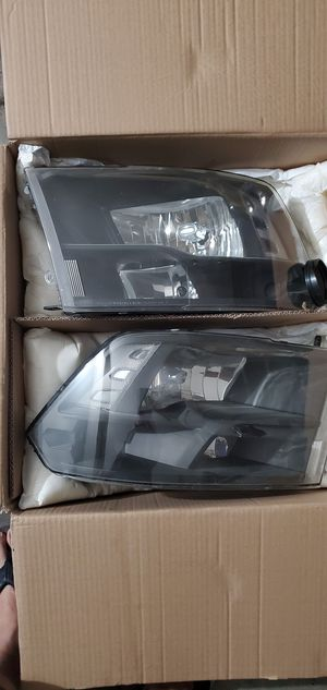headlights for a dodge ram 2010 for Sale in Perris, CA